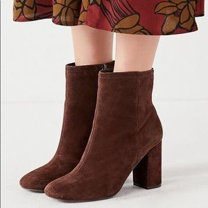 NEW UO Suede Chunky Heeled Brown Boots